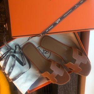 Hermes sandal size 5